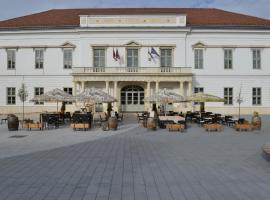 Hotel Magyar Király, hotel Székesfehérváron