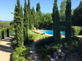 MASSIMO TUSCANY VILLA private KING Room with BATHROOM, hotel with pools in Florence