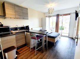 Le studio Cosy d'Angelique et David, budget hotel in Rambouillet