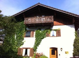 Zugspitzhome Appartment, family hotel in Farchant