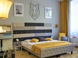 Explorer Hostel & Apartment Stare Miasto, hostel in Poznań