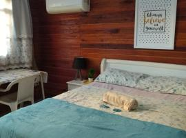 Chalé suíte com ar em Resende, hotel in Resende