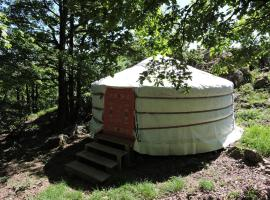 Yourte mongole, luxury tent in Mont-Roc