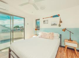 The Surf House, hotel in Byron Bay