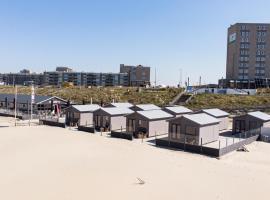 STRAND 21 hotelchalets, cabin in Zandvoort