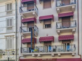 Hotel Dolly, hotell i Viareggio