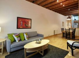 Beautiful apartment in Eixample, hotel with jacuzzis in Barcelona