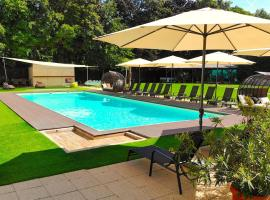 Holiday Resorts, hotel near Royal Balaton Golf & Yacht Club, Balatonszárszó
