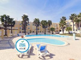 Praia da Lota Resort – Apartments, hotel in Manta Rota