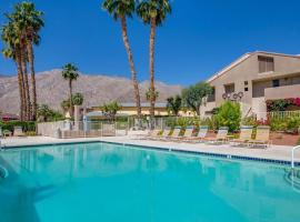 Tennis Time at Plaza Villas, apartment in Palm Springs