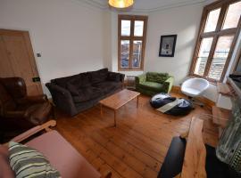 Charming Holiday Home in Leamington Spa near Jephson Garden, hotel in Leamington Spa