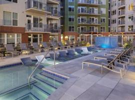Kasa Denver Riverfront Apartments, apartment in Denver