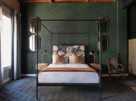 Old Foundry Hotel, hotel in De Waterkant, Cape Town