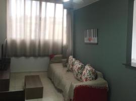 APARTAMENTO COMPLETO JARDIM PRIMAVERA - REDUC 1, hotel in Duque de Caxias