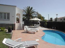 2 bedroom house with privat pool, hotel in Torroella de Montgrí