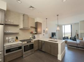 Luxury Downtown Asheville Condo with Mountain Views at Arras Residences Unit 1008, apartment in Asheville