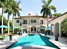Bel Air Luxury Mansion, luxury hotel in Miami