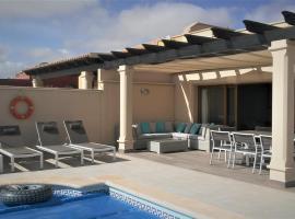 VILLA SENORIO DES CASTILLO, hotel with pools in Caleta De Fuste