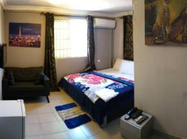 HG Palace Lodge, hotel in Accra