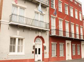 Grenoble House, hotel near Treasure Chest Casino, New Orleans