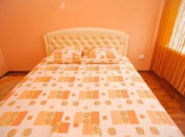 Дашковича 30, центр міста, готель у місті Черкаси