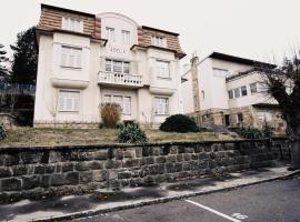 luxusní apartmány vila Adéla, apartment in Luhačovice