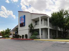 Motel 6-Albuquerque, NM - Coors Road, boutique hotel in Albuquerque