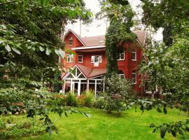 Guest House Pomestye, hotel with pools in Zhukovskiy