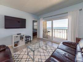 Charming Beach Condos, vacation rental in Jacksonville Beach