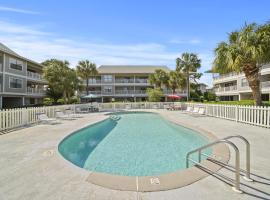 Renovated Beachwood Villas Condo! Ground Level - Walk Out to the Pool!, hotel in Santa Rosa Beach