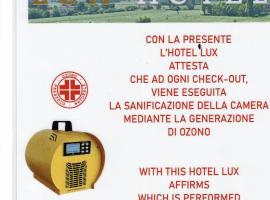 Hotel Lux, hotell i Modena