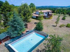 Domaine du Lac nature sauvage, hotel with jacuzzis in Carcassonne