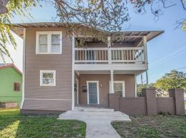 Steffie's Spot to The Pearl, Downtown & more!, apartment in San Antonio