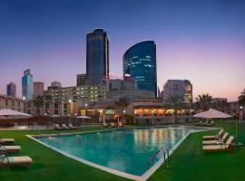 كراون بلازا البحرين، فندق في المنامة