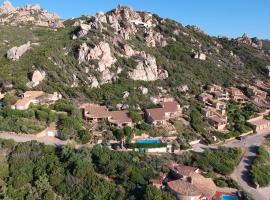 Villino Lu Ciuoni with nice sea view, hotel in Costa Paradiso