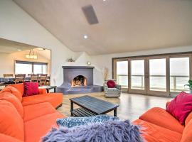 Luxe Newport Estate w/ Spa & Lighthouse Views, hotel in Newport