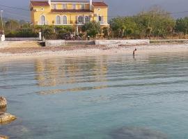 Tilde on the beach, Apts - Sami Kefalonia, hotel in Sami