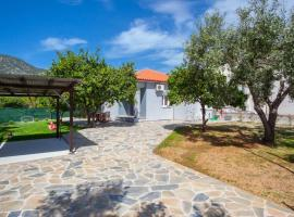 Aethra House, villa in Agria