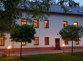 House George, hotel v destinaci Česká Lípa