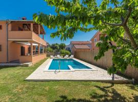Apartment Emanuela with Private Pool near Pula, vacation rental in Loborika