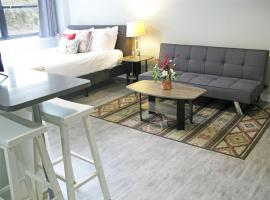 Parkview DOWNTOWN Modern Loft+Full Kitchen, Gym, Rooftop, vacation rental in Mobile