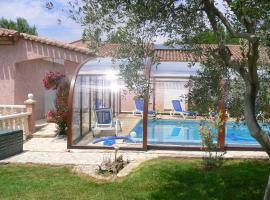 Apartment with 2 bedrooms in Beziers with shared pool enclosed garden and WiFi 20 km from the beach, apartment in Béziers