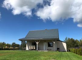 Dom wakacyjny Biały Domek – dom wakacyjny w Sasinie
