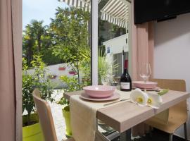 Apartman Petit Val, luxury hotel in Opatija