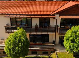 Fürjes Villa Apartmanház, apartment in Balatonfüred