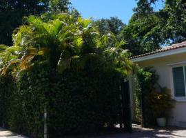 LUXURY Guayabita's House, villa in Miami
