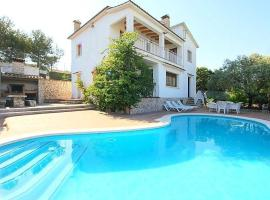 Villa with 6 bedrooms in Canyelles with wonderful mountain view private pool enclosed garden 6 km from the beach, hotel in Canyelles