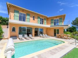 Superb villa with sea view and private pool in Saint-Aygulf, hotel in Saint-Aygulf