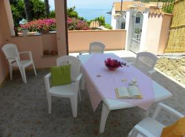 Apartment with 3 bedrooms in Maratea with wonderful sea view furnished balcony and WiFi 30 m from the beach, apartment in Maratea