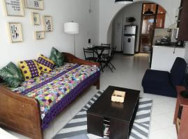 Apartment in El Poblado near everything in a quiet area, apartamento en Medellín